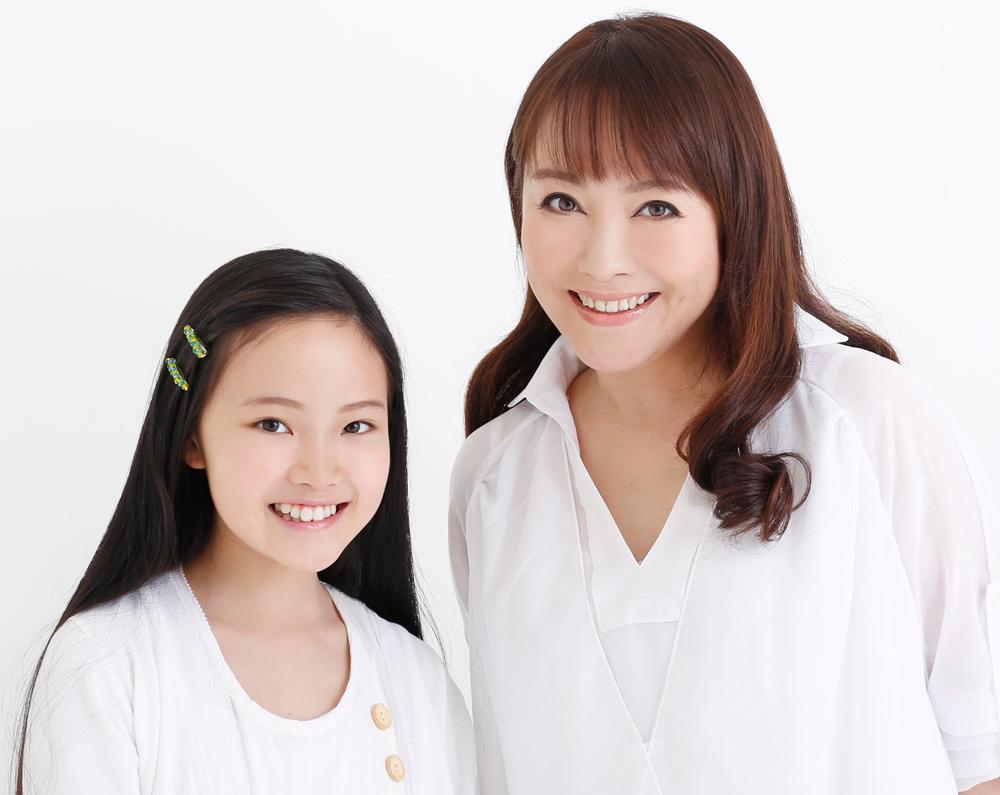Azumi-Inoue-&-Yuyu